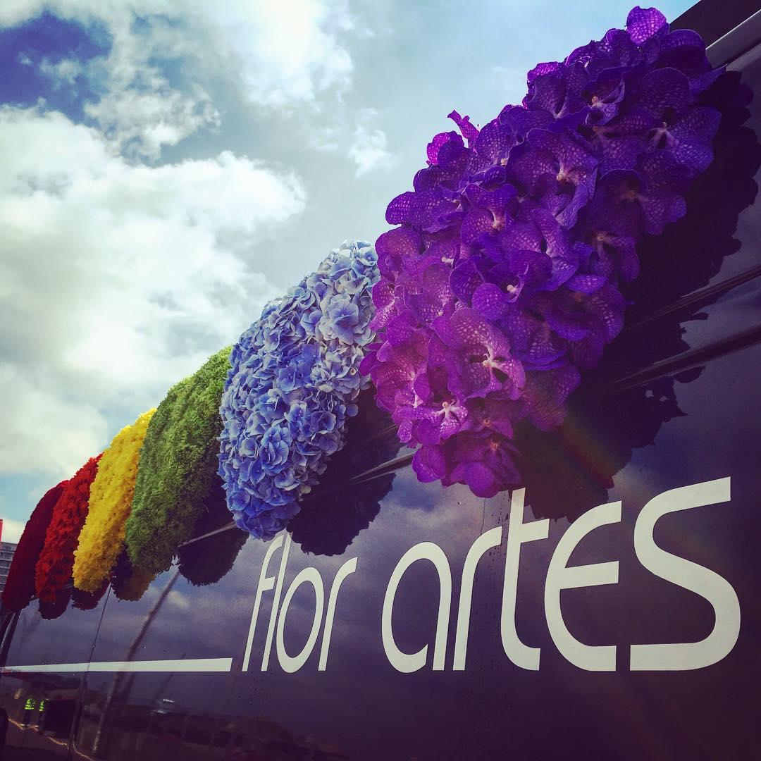 antwerppride rainbow colors flowers van parade peace flowershop antwerp florartesantwerp
