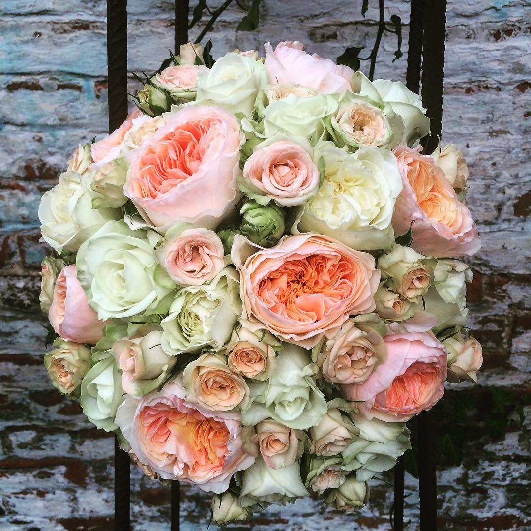 wedding bridalbouquet palecolors roses davidaustin pepita avalanche sugar flowershop antwerp florartesantwerp