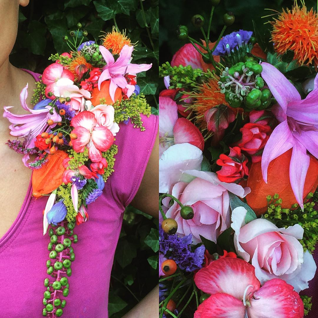 shouldercorsage colorful flowers fashion wedding party indiansummer flowershop antwerp florartesantwerp