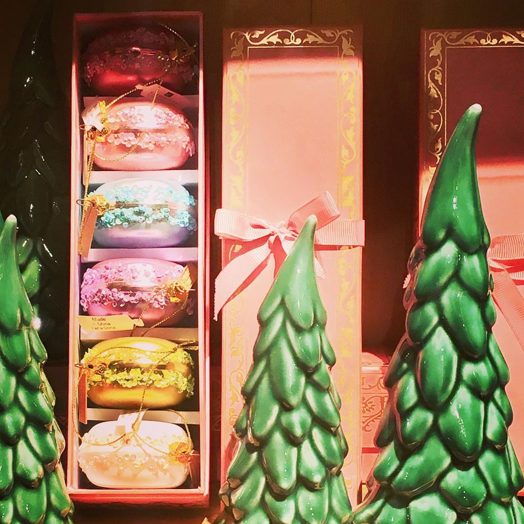 Macarons and trees